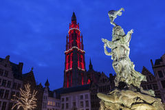 我们的夫人Heighlighted大教堂在安特卫普在比利时 免版税库存照片