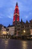 我们的夫人Heighlighted大教堂在安特卫普在比利时 库存照片