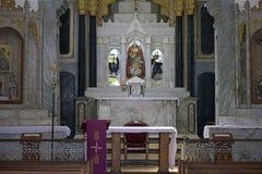 我们的帮助的夫人教会法坛在Arraial d'Ajuda巴伊亚的 免版税图库摄影