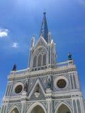 我们的有天空的Cathedral夫人教会诞生  免版税库存图片