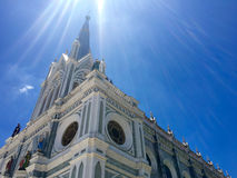 我们的有天空的Cathedral夫人教会诞生  免版税库存照片