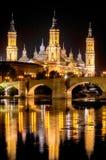 我们的柱子和罗马桥梁的夫人大教堂大教堂  免版税库存图片
