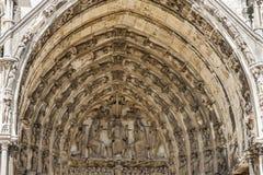 我们的沙特尔(Cathédrale Notre-D的夫人大教堂门户  免版税库存照片