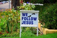我们跟随耶稣脚印刷品 免版税库存图片