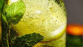 戒毒所饮料,果子,玻璃,泡影,苏打,饮料 库存图片
