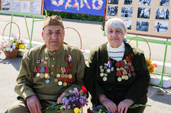 战争和工作的退伍军人为庆祝`胜利天` 库存图片