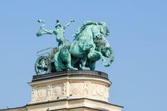 战争雕象在英雄正方形的在布达佩斯,匈牙利 免版税库存照片