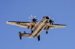 战争飞机在飞行中在天空中 库存图片