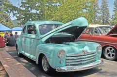 战后福特轿车 库存图片