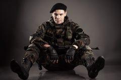 战士休息 免版税库存图片