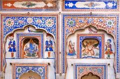 战士和普通的印地安人民fesco的 免版税库存图片