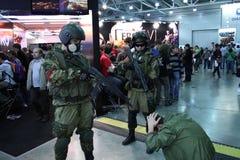 战士拘捕了嫌疑犯 库存照片