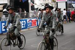 战士骑自行车者 图库摄影