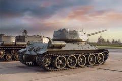战役支持T-34中型油箱  库存照片