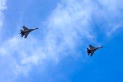 战斗机定点飞越 免版税图库摄影