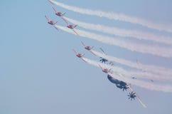 战斗机小队A400M护航的空中客车 免版税库存图片