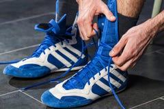 战斗机系带鞋子 免版税库存图片