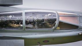 战斗机飞行员在飞行中驾驶舱内 免版税图库摄影