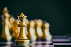 战略棋争斗智力在棋枰的挑战比赛 库存照片