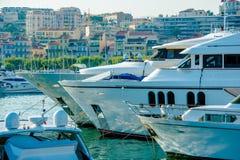 戛纳法国小游艇船坞小船 免版税图库摄影