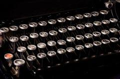截止日期老文本打字机 库存照片