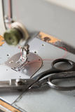 截去的查出的设备路径缝合的葡萄酒 免版税库存图片
