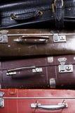 截去的计算机生成的图象包括了老路径栈手提箱 免版税库存图片