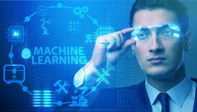 戴未来派眼镜的商人在机器学习概念 免版税库存图片