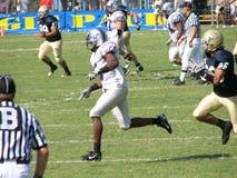 戴维斯,加州- 2006年10月15日:加利福尼亚大学戴维斯分校Aggies对中央阿肯色负担橄榄球赛 图库摄影