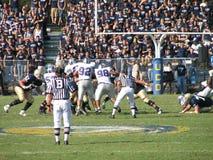 戴维斯,加州- 2006年10月15日:加利福尼亚大学戴维斯分校Aggies对中央阿肯色负担橄榄球赛 免版税图库摄影