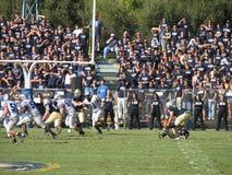 戴维斯,加州- 2006年10月15日:加利福尼亚大学戴维斯分校Aggies对中央阿肯色负担橄榄球赛 免版税库存照片