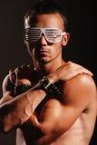 戴镶边眼镜的新atractive人 免版税图库摄影