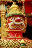 戴lom nakhom pathom泰国wat 免版税库存照片