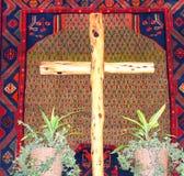 户内木十字架 库存照片