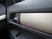 户内汽车内部皮革速度炫耀通信工具 库存照片