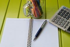 户外书桌工作 免版税库存图片