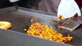 户外准备玉米 股票视频