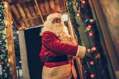 户外圣诞老人 库存图片