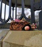 户外圣诞节蛋糕胡说的果子 免版税库存图片