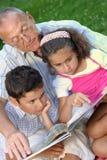 户外祖父孩子 库存图片