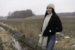 户外美丽的瑞典白种人青少年的女孩 库存照片