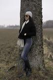 户外美丽的瑞典白种人青少年的女孩 免版税图库摄影