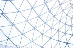 户外金属钢框架的楼房建筑 免版税库存图片