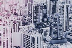 房地产概念、现代城市地平线和摩天大楼buildi 免版税图库摄影
