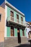 房子两个门面有典型的加那利群岛建筑学的 免版税库存图片