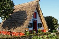 房子传统的马德拉岛 免版税库存照片