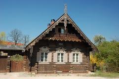 房子俄国木 免版税库存图片