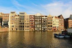 房子倾斜阿姆斯特丹 库存图片