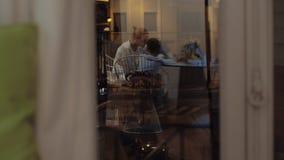 房子图象JPG向量 窗口反射在晚上 股票录像