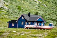 房子在挪威,在瑞典斯堪的那维亚北部欧洲 免版税图库摄影